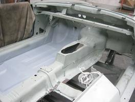Fahrzeugboden eingeschweißt